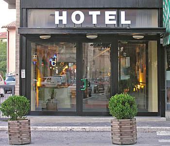 hotel 3 stelle a spoleto